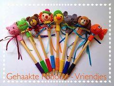Crochet Patterns Free Amigurumi Doll Guys 70 Ideas For 2019 Crochet Diy, Quick Crochet, Crochet Gifts, Crochet For Kids, Crochet Dolls, Crochet Beanie Pattern, Crochet Amigurumi Free Patterns, Crochet Pencil Case, Pen Toppers