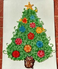 Christmas tree using paper quilling art
