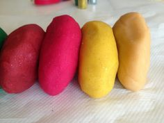 Ideas Creativas, Html, Potatoes, Vegetables, Diy, Food, Homemade Playdough, Food Coloring, Homemade
