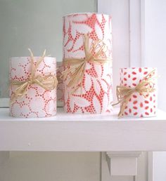 DIY Candles -- Cover candle with lace, spray paint, let dry and peel off lace. Cute Crafts, Creative Crafts, Crafts To Make, Arts And Crafts, Craft Gifts, Diy Gifts, Handmade Gifts, Diy Projects To Try, Craft Projects
