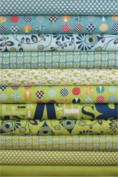 Fabricworm Giveaway: Fat Quarter Bundle of Social Club in Lime Ricke