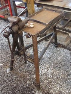 a vice specific stand! Metal Bending Tools, Metal Working Tools, Metal Tools, Blacksmith Projects, Welding Projects, Vise Stand, Metal Work Bench, Grinder Stand, Forging Tools