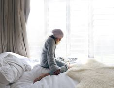 Favourite Topshop knit , reading in bed .. www.oraclefox.com #topshop #oraclefox
