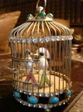 LiveYourStyle: Inside Coco Chanel's 31 Rue Cambon in Paris Chanel Brooch, Celebrity Houses, Crafty Projects, Bird Cage, Coco Chanel, Fashion History, Style Icons, Life Is Good