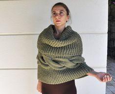 Damen Poncho Cape Sweater Shrug klobig Dick Die warmen, dicken und chunky Poncho…