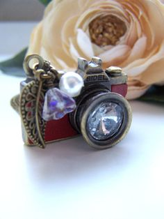 Vintage inspired camera necklace