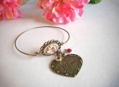 Mother's Day Charm Bracelet choose by DDistinguishedGifts on Etsy, $25.00
