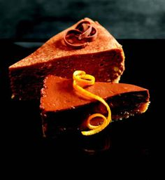 Lindt Chocolate Orange Cheesecake ~ link is safe. Chocolate Lindt, Chocolate World, Chocolate Lovers, Chocolate Recipes, Chocolate Heaven, Orange Cheesecake Recipes, Chocolate Orange Cheesecake, Strudel, Chocolates Gourmet