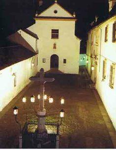 <córdoba >Plaza de Capuchinos el cristo de los faroles