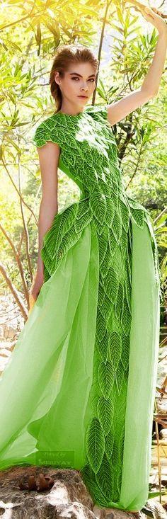 Green - Jean Louis Sabaji Spring-summer 2014.- http://es.pinterest.com/meriyay/-jean-louis-sabaji-/