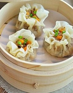糯米烧麦<br/>材料:饺子皮,糯米,胡萝卜…
