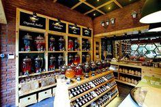 Красивый интерьер магазина специй и приправ Asbal Balevi в Турции