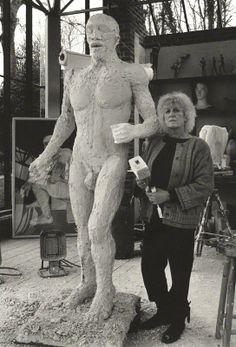 Elizabeth Frink Artist Life, Artist At Work, Elisabeth Frink, Artist Workspace, Painters Studio, Sculpture Projects, Creative Workshop, Contemporary Sculpture, Art Music