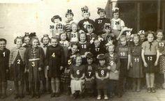 Klassenfoto Mariaschool Someren Eind begin vijftiger jaren. Wie herkend hier meisjes van? Zij zijn anno 2014 rond de zeventig jaren oud.