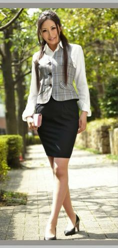 Tight Skirts, Mini Skirts, Skirt Outfits, Dress Skirt, Kathy West, Office Uniform, Formal Suits, Girl Fashion, Womens Fashion