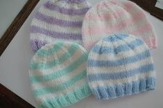 Striped Baby Hat Created by: Heather Wells Materials Color A: Blue Light Worsted Weight Yarn Color B: White Light Worsted Weigh. Baby Hat Knitting Patterns Free, Baby Booties Free Pattern, Knit Beanie Pattern, Baby Hats Knitting, Crochet Baby Hats, Scarf Patterns, Newborn Knit Hat, Knitted Baby Beanies, Knitted Hats