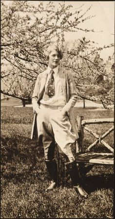 Lee Miller, 1929. Muse, artist, beauty, model, Vogue collaborator and photographer in her own right.