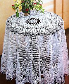 Филейная скатерть «Маркиза» выполнена в технике филейного вязания. Схема