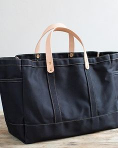 A versatile workhorse that keeps its beauty and shape, this tote is our owner and founder's bag of choice for everyday, everything and everywhere.