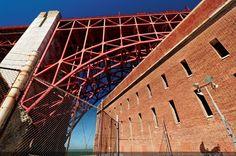 Sous la structure du Golden Gate - San Francisco, Californie, USA