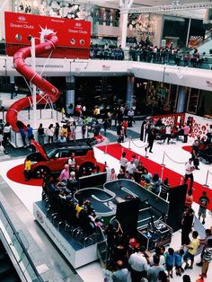 Kia Experiential stand - dream chute slide at Westfield