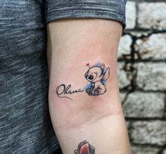 Tatuagem de família: 90 opções para registrar todo o seu amor Family Tattoo: 90 options pour enregistrer tout votre amour Cousin Tattoos, Family Tattoos, Tattoos For Daughters, Friend Tattoos, Disney Sister Tattoos, Tattoos For Cousins, Tattoos For Friends, Mini Tattoos, Cute Tattoos
