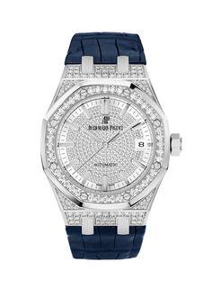 """La montre """"Royal Oak Automatique"""" d'Audemars Piguet http://www.vogue.fr/joaillerie/le-bijou-du-jour/diaporama/la-montre-royal-oak-automatique-d-audemars-piguet/14809"""