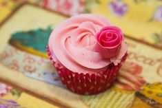 How to make a fondant rose / Como hacer una rosa de fondant
