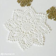 Ravelry: Project Gallery for Julestjerne pattern by Aller forlag Crochet Home, Doilies, Ravelry, Mittens, Crochet Earrings, Knitting, Rose, Pattern, Projects