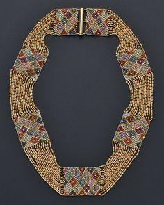 Necklace | Attributed to Amalie Szeps, Wiener Werkstätte. Finely woven multicoloured metallic beads. ca. 1910, Jugendstil.