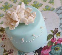 Individual mini cakes