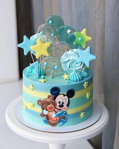 Ei salve esse pin e clique duas vezes. vc vai gostar das 70 receitas de geladinho gourmet que preparamos Baby Mickey Cake, Boys First Birthday Cake, Mickey Mouse Birthday Cake, Mickey Cakes, Baby Birthday Cakes, Baby Boy Cakes, Minnie Mouse Cake, Girl Cakes, Disney Parties