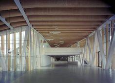 Agora Sociocultural Center / Rojo/Fernández-Shaw & Liliana Obal