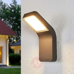 68€ | Maddox contemporary LED outdoor wall light | Lights.ie