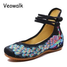 New Autumn Big Size 34-41 Woman Flat Shoes Sequined Peacock Embroidery Shoes Women Chinese Old Peking Casual Cloth Dancing Shoes