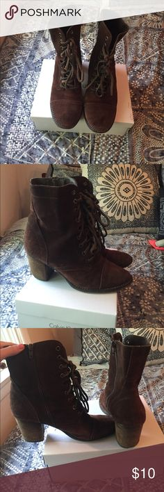 Steve Madden boots Good used condition Steve Madden boots perfect with any outfit Steve Madden Shoes Lace Up Boots