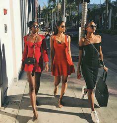 Pretty women walking down the street ✨