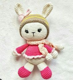 Amigurumi Knitting Toy Models - Recipe for Amigurumi Tiny Rabbit Model . Knitted Dolls, Crochet Dolls, Softies, Plushies, Hat Making, Amigurumi Doll, Models, Kids And Parenting, Diy And Crafts