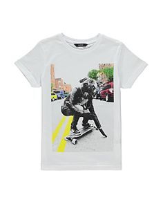 Skateboarding Pug T-shirt
