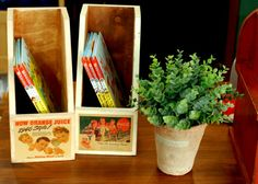 Vintage bookshelf by Tteuran