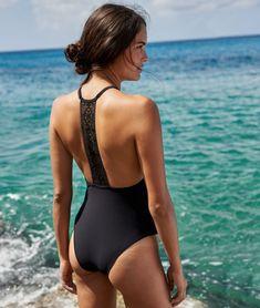 b3fae69dc2e9 238 meilleures images du tableau Maillots de bain   Bikini ...