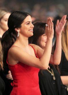 November Selena attending the 2016 American Music Awards in Los Angeles, California [HQs] Selena Gomez Fashion, Selena Gomez Outfits, Estilo Selena Gomez, Selena Gomez Fotos, Selena Gomez Pictures, Selena Gomex, Selena Gomez The Weeknd, Selena Gomez Daily, Selena Gomez Cute