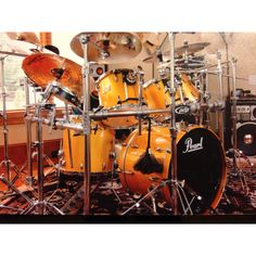 Pearl Masters Custom drum kit.. Awesome ... Gold...