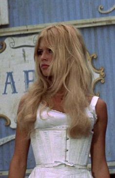 Bardot Brigitte, Brigitte Bardot Hairstyle, Bridget Bardot Hair, Estilo Megan Fox, Hippie Style, Nancy Sinatra, Marlene Dietrich, Glamour, Grunge Hair