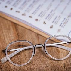 White is for Abbey ! La favorite des dernières semaines #brunochaussignand #design #eyewear #marquefrancaise #lunettes #moodysocialclub