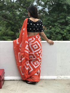 Printed Cotton Saree by Trendys shop - Online shopping for Sarees on MyShopPrime - Fancy Blouse Designs, Saree Blouse Designs, Lehenga Designs, Dress Designs, Mehndi Designs, Cotton Saree Designs, Saree Poses, Modern Saree, Simple Sarees