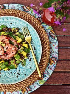 Rezept für asiatisch inspirierten Beluga Linsen Salat mit Mango, Avocado & Koriander |