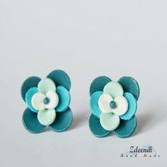Ručně modelované květinky