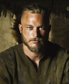 """The essential part about Ragnar Lothbrok being a fearless Viking warrior who raided France and England seems to be almost identical in every source. (Travis Fimmel in """"Vikings""""). Vikings Travis Fimmel, Travis Fimmel Vikingos, Ragnar Vikings, King Ragnar Lothbrok, Travis Vikings, Vikings Tv Show, Vikings Tv Series, Viking Men, Viking Warrior"""