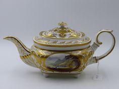 Lot 1516 - A DERBY PORCELAIN TEA POT.
